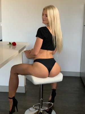 Thessy independent escort in Pomona