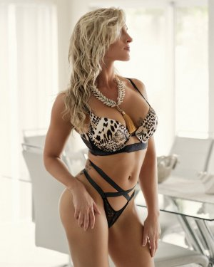 Marie-victorine escorts in Catterick Garrison, UK